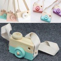 doğal ahşap dekorasyon toptan satış-Mini Ahşap Kamera Oyuncaklar Fotoğraf Sahne Üzerinde Asılı Boyun Anti-Statik Doğal Ahşap Bebek Doğum Günü Hediye Odası Dekorasyon WX-T106