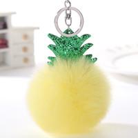 araba dekor kolye toptan satış-Kürk Topu Anahtar Toka Çanta Dekor Aksesuarları Şeker Renk Peluş Ananas Tuşları Zincir Araba Süslemeleri Kolye 2 8wz C R