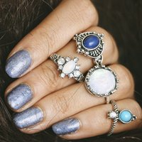 4Pcs / set Prata Geometric Punk Rings Set Boho Jóias para Mulheres Stone Party Knuckle Ring Gemstones Retro Rhinestones Anéis D15S