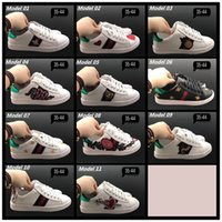 Wholesale womens wedges sneakers - New Designer Low Top Black Leather Flower Embroidery Casual Shoes Fashion Luxury Sneakers for Mens Womens