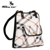 bienes de viaje al por mayor-Patrón de envío gratis mujer ambos hombros paquetes de artículos de regalo Equipaje viajes de fin de semana bolsos negro mochilas diseñador lindo portátil de moda