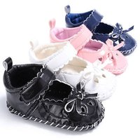 Wholesale- 2017 Spring Autumn Newborn Baby Girl Bow Chaussures antidérapantes Soft Sole Sneakers Floral Prewalker