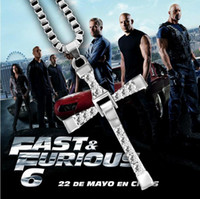 Filme The Fast and the Furious Celebrity Dominic Toretto 18K banhado a ouro Rhinestone Crystal Jesus Cross Pingente Colares Jóias de charme