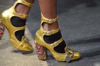 tıknaz pompalar toptan satış-Yeni Tasarımcı Ayakkabı Kadınlar Lüks Yuvarlak Ayak Bileği Toka Yüksek Topuklar Python Tıknaz Topuk Bayanlar Pompaları Taklidi Strappy Ayakkabı Kadın