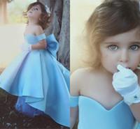çocuklar için açık mavi kıyafetler toptan satış-Zarif Saten Çiçek Kız Elbise V Boyun Açık Mavi Küçük Kız Pageant Elbise Törenlerinde Çocuklar Doğum Günü Elbiseler Düğün Için