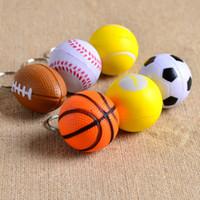 artículos de béisbol al por mayor-Barato fútbol baloncesto béisbol tenis de mesa PU llavero juguetes, moda deportes artículo llaveros regalo de la joyería para niños y niñas
