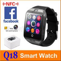 relojes de pulsera gsm al por mayor-Q18 Smart Watch Bluetooth Wearable Pantalla curva Soporte de alta calidad NFC SIM GSM cámara de Facebook para Android IOS reloj de pulsera 20 unids