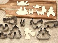 ensembles de emporte-pièce de noël achat en gros de-Nouveau 8PCS / Set bricolage en acier inoxydable Bakeware 3D Cutter Cookie de Noël