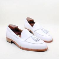 kundenspezifischer slip großhandel-Herren Freizeitschuhe Loafers Schuhe Benutzerdefinierte handgefertigte Schuhe Quasten Slip-on Schuhe Runde Spitze Echtes Leder Farbe weiß HD-N132