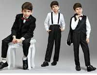 Abiti formali All'ingrosso-Black Boys Suit Boy Fancy Rosa Vest One Button Dress Suits Outfits i ragazzi (Jacket + Pants + Vest + Papillon) ZY3471