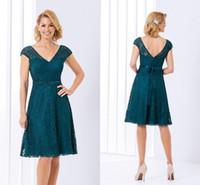 vestidos formales cortos verde azulado al por mayor-2020 Verde del trullo de la madre de la novia vestidos de Jasmine V cuello corto de encaje rodilla Longitud partido formal de la boda vestido de fiesta de la tarde