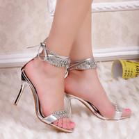 gelin nedime sandaletler toptan satış-Seksi Gümüş Yüksek Topuk Yaz Ayakkabı Moda Lady Sandalet Rhinestone Parti Balo Ayakkabı / düğün ayakkabı Gelin Nedime için Ayakkabı