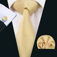 Robe D'or Hommes Pas Cher-Cravates en soie classique en soie Cravates en manche hommes en or Cravates en pointillé Cravates Boutons de manchettes en hankerchief Jacquard Woven Meeting Business Wedding Party N-1540