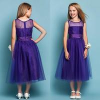 königliche lila blumenmädchenkleider großhandel-Günstige Blumenmädchenkleider 2016 Eine Linie Sheer Neck Royal Purple Junior Brautjungfer Kleid weichen Tüll Tee Länge formale Kinder Kleid für Hochzeit