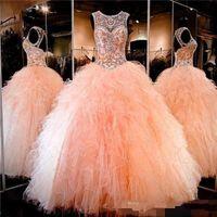 peach quinceanera venda por atacado-2017 Coral Peach Sheer Cristal Beading Rhinestone Ruffled Tulle vestido De Baile Doce 16 Vestidos Lace-up Backless vestido de Baile Vestidos Quinceanera