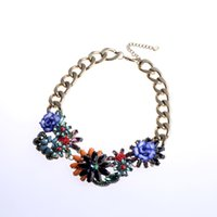 Luxury Diamond Flower Pendant Necklace Choker Bijoux Big Chain Chunky Flower Colorful Collier Déclaration pour les femmes