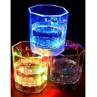 24 Unids LED Party Drinking Glasses Drinkware Intermitente Pequeño LED Shot Cup Flashing Cola Copas Bar suministros F531