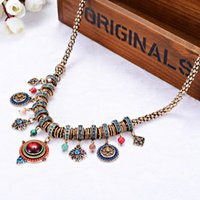 Ornements populaires Long Collier Aimant environnemental Exagération Short Fund Sweater Chain Restore Ancie Real Perles Bijoux