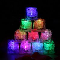 yenilik ampuller toptan satış-Mini LED Parti Işıkları Kare Renk Değiştirme LED buz küpleri Parlayan Buz Küpleri Yanıp Sönen Yanıp Sönen Yenilik Parti Kaynağı ampul AG3 Pil