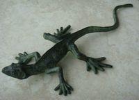 ingrosso ornamenti da giardino animale-American Country Style Painted Lizard Decoration Ghisa Color Painting Animal Figurine Garden Yard Ornament Artigianato vintage Verde scuro