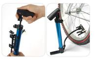 mini bomba de bicicleta de montanha venda por atacado-Bomba de alta pressão portátil de alumínio mountain bike basquete mini bomba de transporte