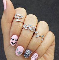 ingrosso anelli di stile moderno-Set di gioielli di moda per le donne foglie a forma di diamanti falsi 3pcs / set anello d'argento dorato moderno semplice stile all'ingrosso bello