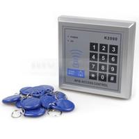 бесконтактные замки оптовых-DIYSECUR 125 кГц RFID Proximity ID Card Reader клавиатура вход замок двери система контроля доступа комплект с 10 брелки + Бесплатная доставка K2000