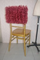 ingrosso sedia organza bordeaux-2016 Custom Made Burgundy Organza Ruffles Chair Covers Romantico Beautiful Chair Sashes Cheap Wedding Chair Decorazioni 021