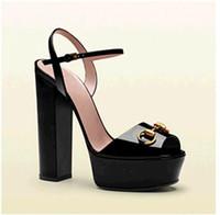 trendy moda sandaletler toptan satış-Tasarımcı ayakkabı yeni 2019 moda ayakkabı metal toka tıknaz topuk kadın sandalet yüksek topuklu sandalias trendy parti ayakkabı kadınlar