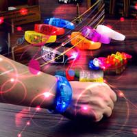 crianças piscando pulseiras venda por atacado-Pulseira LED de controle de voz Glo-sticks Eletrônico LED Piscando Pulseira Brilho Pulseiras LED Wrist Band Natal Livre DHL