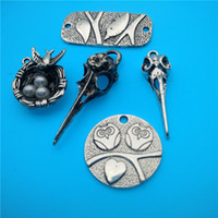 Wholesale Tibetan Silver Bird Beads - Mixed Tibetan Silver Birds love Bird Head Charms Pendants Jewelry Making Bracelet Necklace Fashion Popular Jewelry Accessories DIY V165