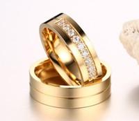 jóia de aço inoxidável eua venda por atacado-Alianças de casamento Anéis para As Mulheres / Homens Amor de Ouro-cor Aço Inoxidável 316L CZ Promessa Jóias Venda Quente nos EUA e na Europa Frete Grátis