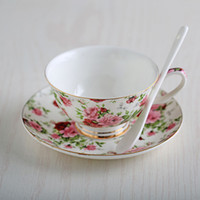 Hot-selling European Fashion Bone China Coffee Cup And Saucer Set England-style Tazas de cerámica Caja de regalo de boda