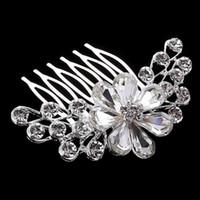 en iyi kristal elbiseler toptan satış-Best Deal Lüks kristal gelin headdress gelinlik aksesuarları gelin saç takı vrystal çiçek saç tarak toptan fiyat DHF803