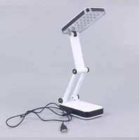 ingrosso luci della batteria-Due bancarelle illuminano l'alimentatore USB o installano 3 batterie AA 24 LEDS luce alta Lampada da tavolo pieghevole Lampada da tavolo a luce bianca Leggi