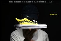 Wholesale Comic Shoes - New Peanuts Skate Canvas Shoes XH78 Women Mens Snoopy Comic Black Yellow Old Good Grief Skool Casual Sport Sneakers Skateboarding Shoes