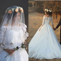 Discount wedding dresses sleeves veils - New Design 2017 Long Wedding Dress Boat Neck Half Sleeves Ball Gown Appliques Tulle Lace Chapel Train Wedding Gowns With Veil
