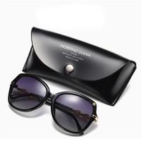 Lunettes de soleil de créateurs de mode pour les femmes avec de grandes  lunettes de section polarisées Lunettes de soleil de luxe de marque  classiques avec ... fa55f8aae079