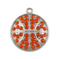 Barato Encantos De Basquete De Cristal-Hot Sale Zinc Alloy Lead Free Nickle Free Rhodium Plated Red Crystal Dome Basketball Natal encantos para fabricação de jóias
