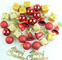ingrosso scatole di ornamento di natale-Albero di natale albero appeso palla 32 pezzi un pacco regalo scatola pigna delicato pendente ornamenti di natale partito decor 9 6bq F R