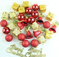xmas süsler kutuları toptan satış-Noel Süs Ağacı Asılı Top 32 Adet Bir Paket Çam Kozalağı Hediye Kutusu Narin Kolye Noel Süsler Parti Dekoru 9 6bq F R