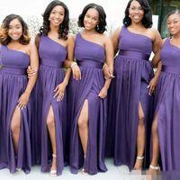 einfache hochzeit brautjungfer kleider groihandel-Schwarzes Mädchen-lange Brautjunfer-Kleider eine Schulter mit Schärpe-Boden-Längen-Seiten-Split-Hochzeits-Gast-Kleid faltet einfache Brautjunfer-Kleider preiswert