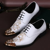 Hommes Punk Mode Pointed Metal Toe Chaussures en cuir Business Style White Chaussures de ville pour Hommes Marque Design Oxfords Chaussures