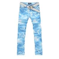 himmelblau hose für männer großhandel-Farbiger zeichnender  Jeanshimmel-Druck der Männer elastische Denimhose für b67525606b