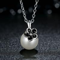 siyah emaye çiçek kolye toptan satış-Hakiki 925 Ayar Gümüş Beyaz Inci Kolye Kolye Siyah Emaye Çiçek Kolye Glorious Kadınlar Partisi Takı NL046
