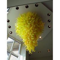 araña decorativa grande al por mayor-Moderno techo decorativo de color amarillo soplado vidrio LED araña gran hotel decoración Arte moderno vidrio Chihuly estilo techo lámparas colgantes