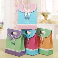 Wholesale Wholesale Cookie Wedding Favors - 100pcs 3 Sizes Lovely Craft Paper Gift Bag For Candy Cookie Makeup With Handle Christmas Wedding Bags Party Favors Packaging ZA0929