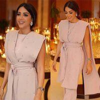 overall modern großhandel-2018 Rosa Abendkleider mit ärmellosem Umhang Drapped Sashes Jumpsuit Kristallgürtel Modern Crepe Crystal Abendkleider