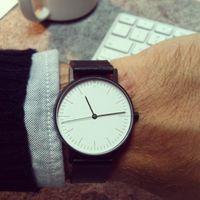 простые черные мужские часы оптовых-2019 STOCK Кварцевые часы Мужские верхние черные кожаные часы Роскошная мода Простые спортивные часы Montre Homme Швейцарские мужские часы relojes