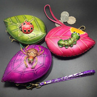 All'ingrosso- Carino fatto a mano regalo di Natale per ragazza in pelle di mucca Cartoon Leaf forma Zipper Coin Purse Mini insetto ape Spider Coin Bag C009